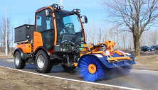 C70 with rotating sweeper