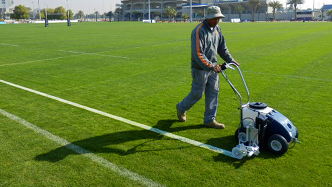 FleetUS Classic Kombi athletic field marking system in action